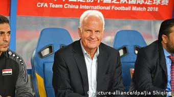 Fußball Trainer Bernd Stange (picture-alliance/dpa/Jia Shiqing)