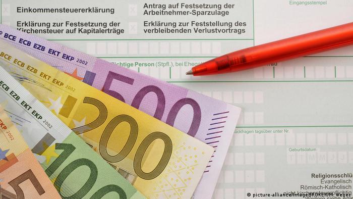 A German tax return form