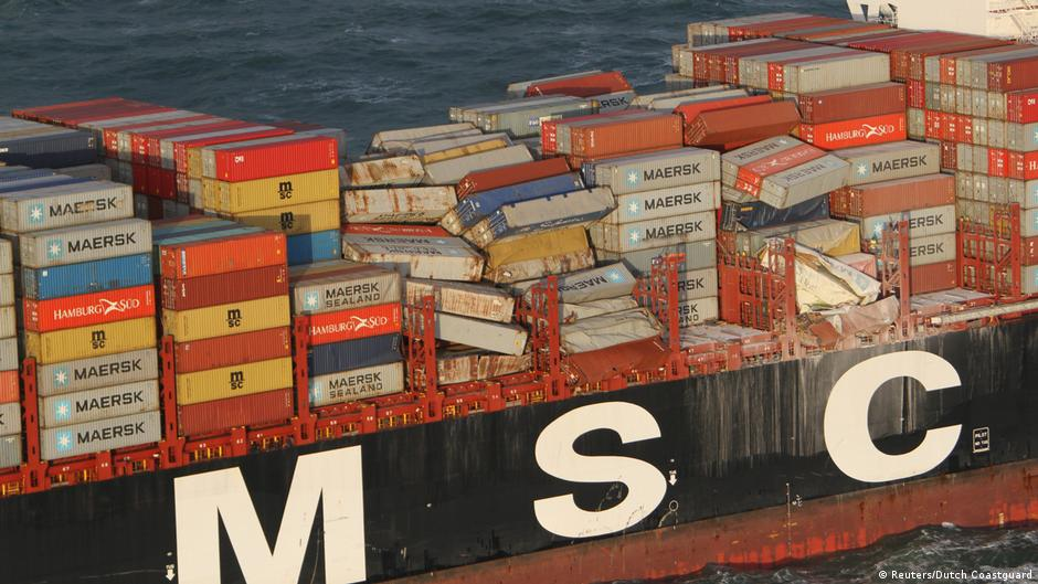 Swiss shipping line agrees to pay container spill cleanup costs