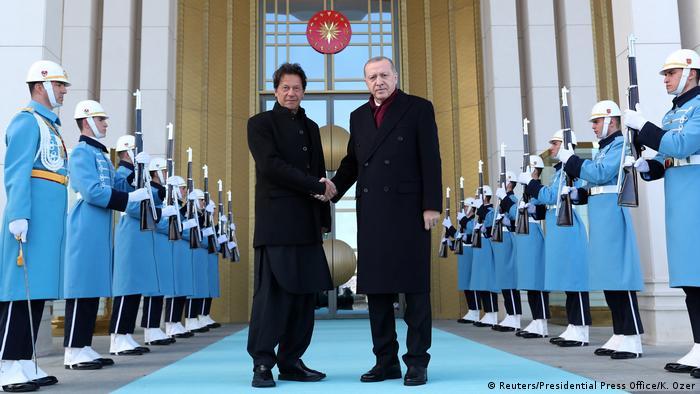 Türkei Ankara - Tayyip Erdogan und der pakistanische Premierminister Imran Khan