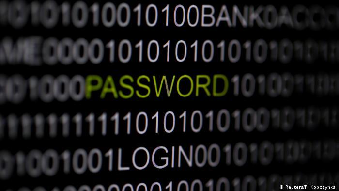 Illustration - Computer - Cyberkriminalität (Reuters/P. Kopczynksi)