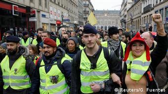Frankreich Zusammenstöße bei erneuten «Gelbwesten»-Protesten in Paris