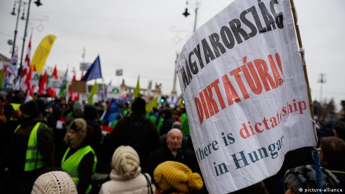 Ungarn - Proteste gegen das Sklavengesetz in Budapest