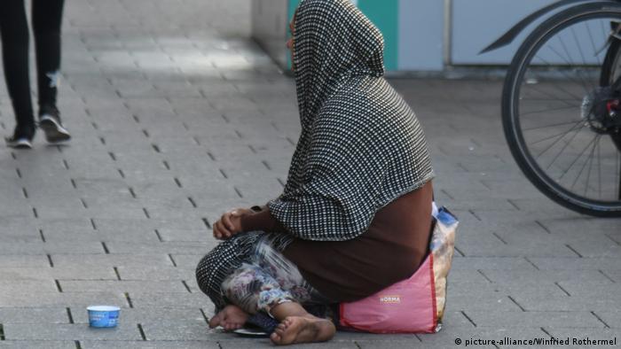 آکسفام میگوید شمار کسانی که موفق میشوند خود را از فقر مطلق نجات دهند، کمتر و کمتر میشود