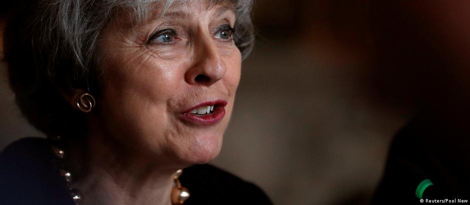 Gerações futuras questionarão se decepcionamos o povo britânico, disse May
