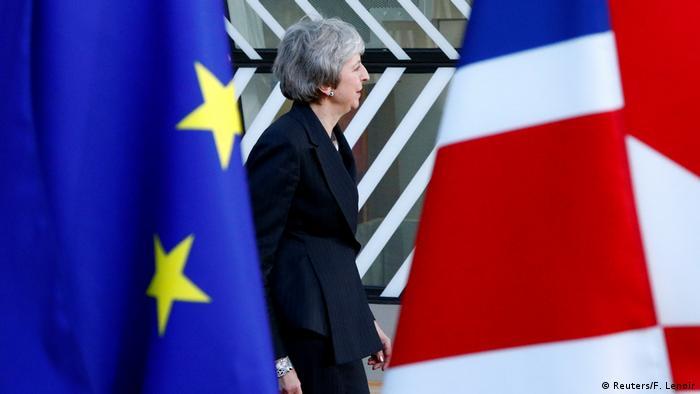 Europa Theresa May EU Union Jack Flagge