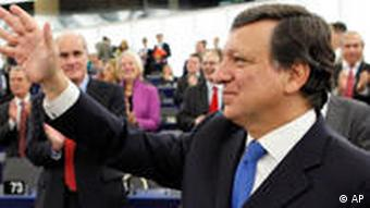 Barroso greets supporters in Brussels