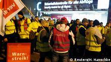 Deutschland Warnstreik des Sicherheitspersonals am Flughafen Berlin Schönefeld