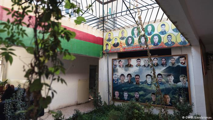 A social center in Kobane (DW/B. Gerdziunas)