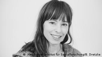 Schwarz-weiß-Porträt von Hedwig Richter.