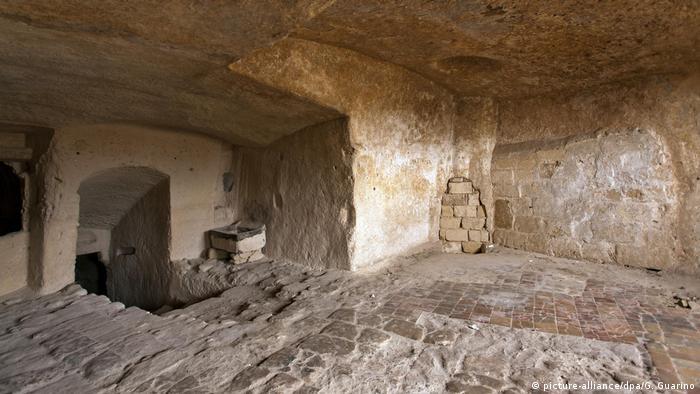 Матера - печерне місто, вбудоване у скелю