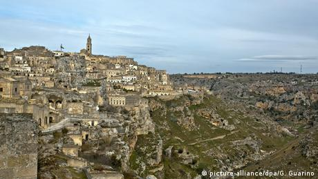view of the Matera (picture-alliance/dpa/G. Guarino)