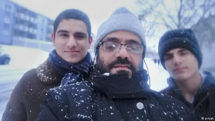 Missing German citizen Isa El Sabbagh (left), seen here with his father and brother in Giessen (privat)