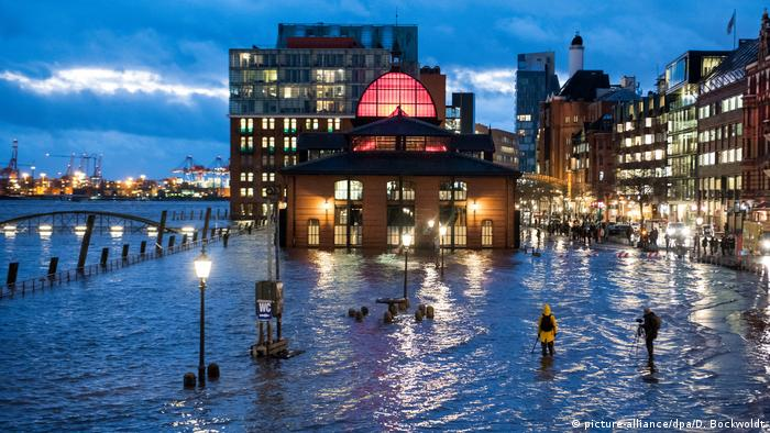 Hamburg fish market inundated by flood waters