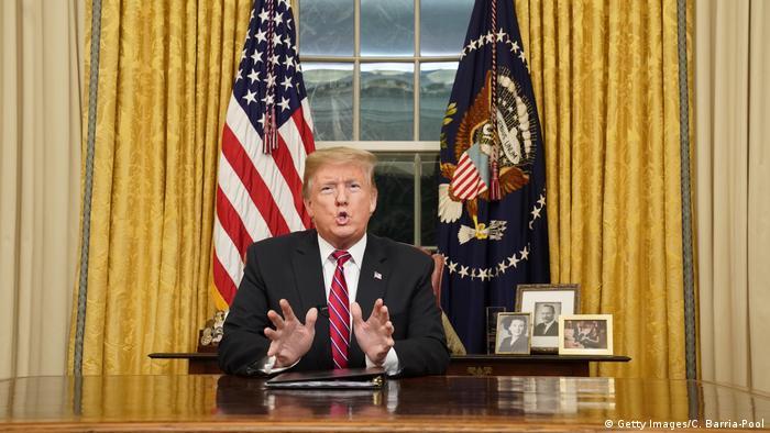 Präsident Trump spricht vom Oval Office aus die Nation zur Grenzsicherheit an (Getty Images/C. Barria-Pool)
