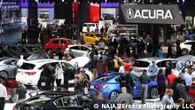 USA - Messebesucher auf der Detroit Motor Show 2018