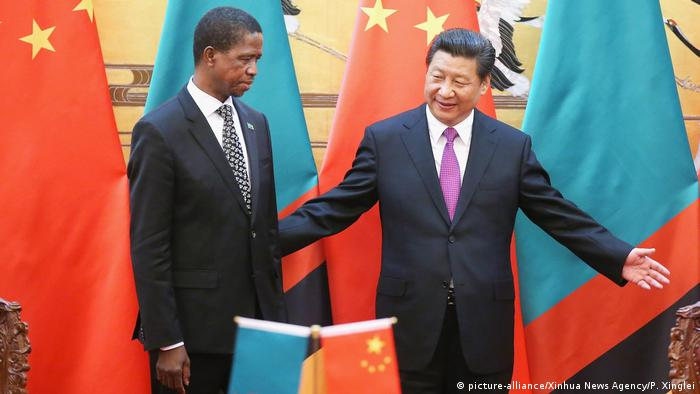 Zambian President Edgar Lungu and Chinese President Präsident Xi Jinping(picture-alliance/Xinhua News Agency/P. Xinglei)