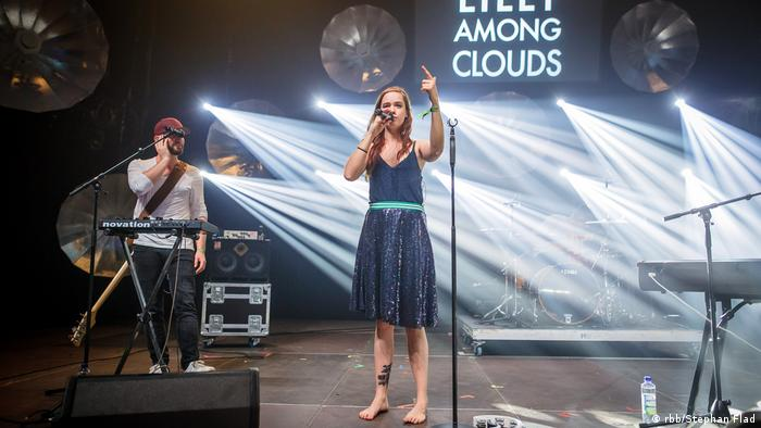 Lilly Among Clouds (rbb/Stephan Flad)