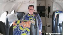 Bundesentwicklungsminister Gerd Mueller CSU Linienflug Afrika