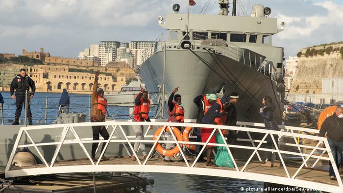 Lösung für Schiffe deutscher Seenotretter (picture-alliance/dpa/Sea-Watch/F. Weiss)