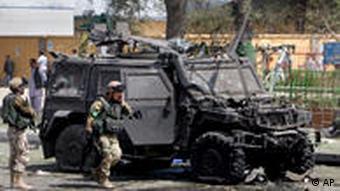 حمله به یک خودروی نظامی نیروهای ایساف در افغانستان