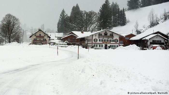 Deutschland   Winter in Bayern - Jachenau (picture-alliance/dpa/A. Warmuth)
