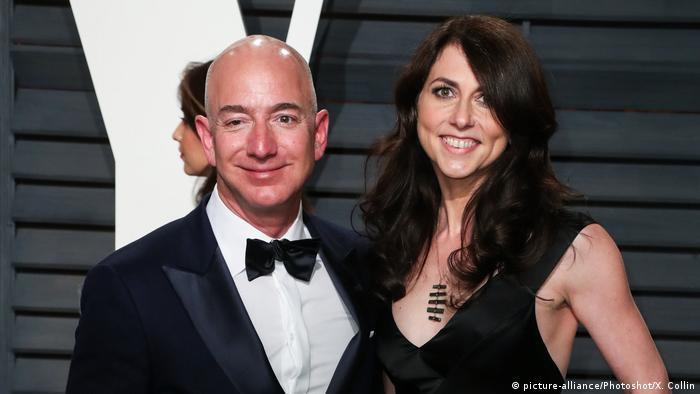 Jeff Bezos und Ehefrau MacKenzie (picture-alliance/Photoshot/X. Collin)
