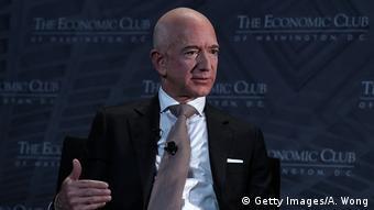 Jeff Bezos Speaks At Economic Club Of Washington With Club President David Rubenstein (Getty Images/A. Wong)