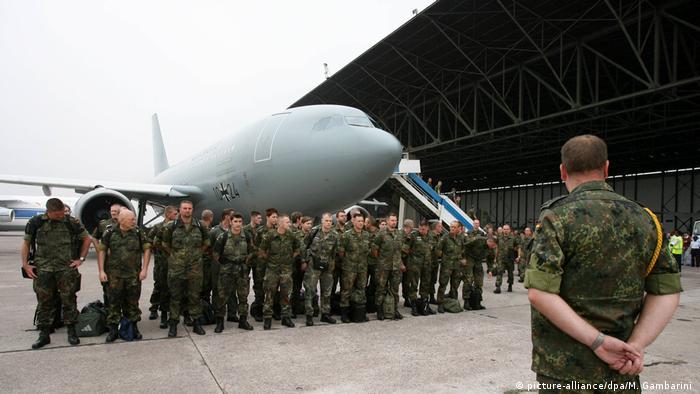 Archivbilder: Bundeswehreinsatz im Kongo 2006