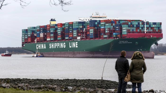 سفينة سي إس سي إل إنديان أوشن علقت عام 2016 في قاع نهر الإلبه بمدينة هامبورغ الألمانية