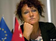 AB-Türkiye Karma Parlamento Komisyonu eşbaşkanlığı görevini yürüten Yeşiller Grubu üyesi Fransız parlamenter Helene Flautre