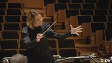 Die mexikanische Dirigentin Alondra de la Parra