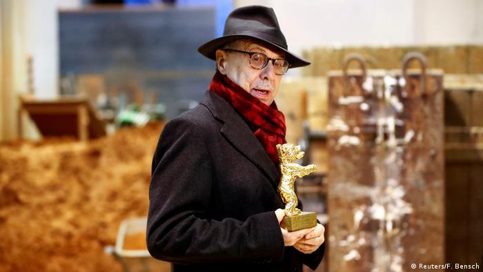 Die Regisseure der Berlinale International Film Festival, Dieter Kosslick und Hermann Noack, vergeben während einer Medientour die Berliner Bärenpreise für die Produktion eines Berliner Bärenpreises in Berlin