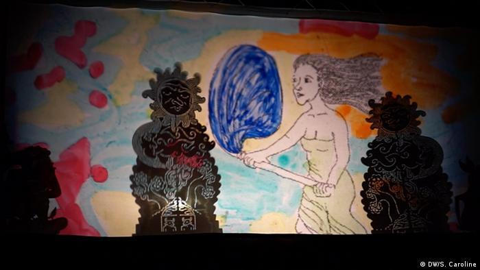 Berlin Herlambang Bayu Aji Schattentheater (DW/S. Caroline )
