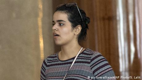Asylsuchende Rahaf Mohammed Alqunun in Bangkok (picture-alliance/AP Photo/S. Lalit)