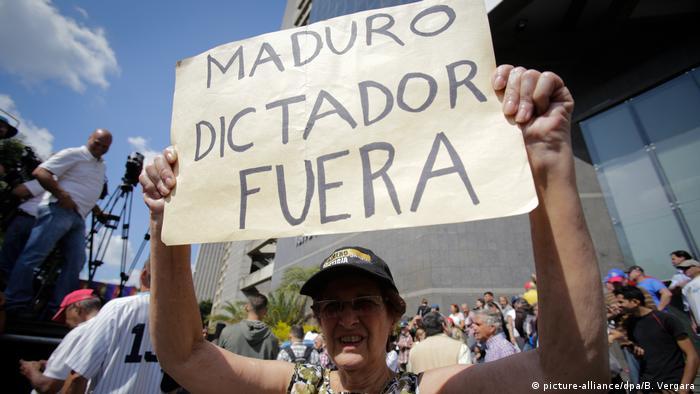 Venezuelas Parlamentschef fordert Präsident Maduro heraus
