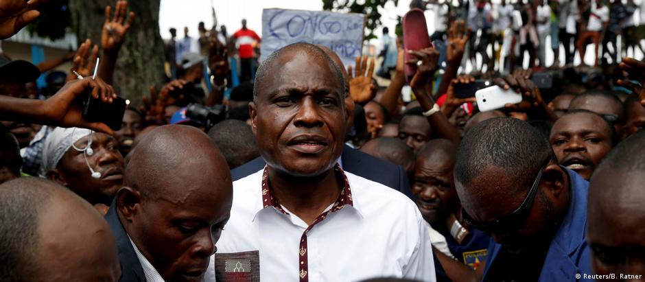 """Oposicionista Martin Fayulu: """"Eles me chamam de soldado do povo, e eu não vou decepcionar o povo"""""""