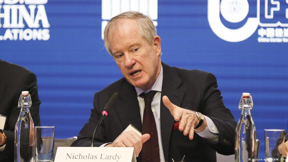 作為一位知名的中國問題專家,Nicholas R. Lardy過去幾年一直言辭堅定地否決一切看空中國經濟的說法