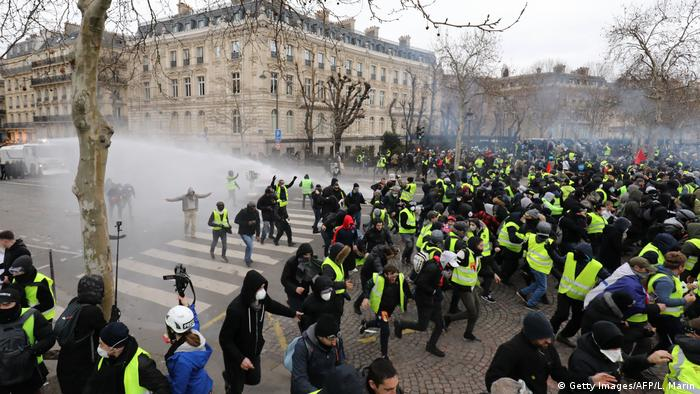 Frankreich Gelbwesten Proteste in Paris (Getty Images/AFP/L. Marin)