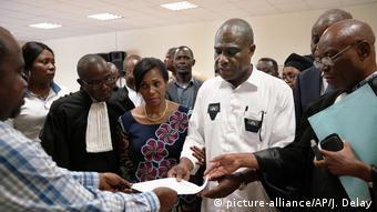 Kongo, Kinshasa: Wahlen im Kongo (picture-alliance/AP/J. Delay)
