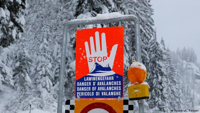An avalanche warning sign in Austria (Reuters/L. Foeger)