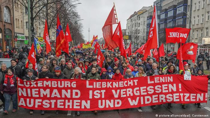 هزاران نفر در برلین روز ۱۳ ژانویه ۲۰۱۹ به دعوت حزب چپهای آلمان پاسخ دادند و در راهپیمایی بزرگی یاد دو رهبر جنبش سوسیالیستی آلمان، روزا لوکزمبورگ و کارل لیبکنشت را گرامی داشتند. راهپیمایان در گورستان مرکزی پایتخت آلمان در پای بنای یادبود آنان تاج گل نهادند. فراخوان سازماندهندگان این راهپیمایی دفاع از صلح و همبستگی جهانی و نیز علیه استثمار و پایمال کردن حقوق دمکراتیک و رشد خطرات فاشیستی بود.