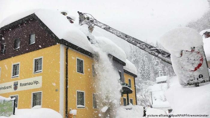 Winter in Österreich (picture-alliance/dpa/APA/Ff-Kremsmünster)