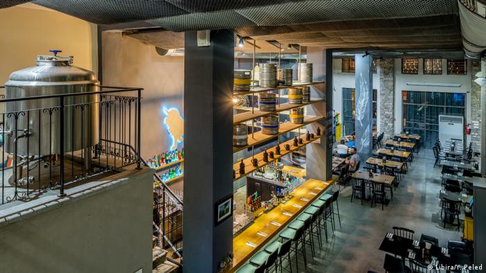 Israel - Haifa: Unterschiedliche Biersorten (Libira/Y. Peled)