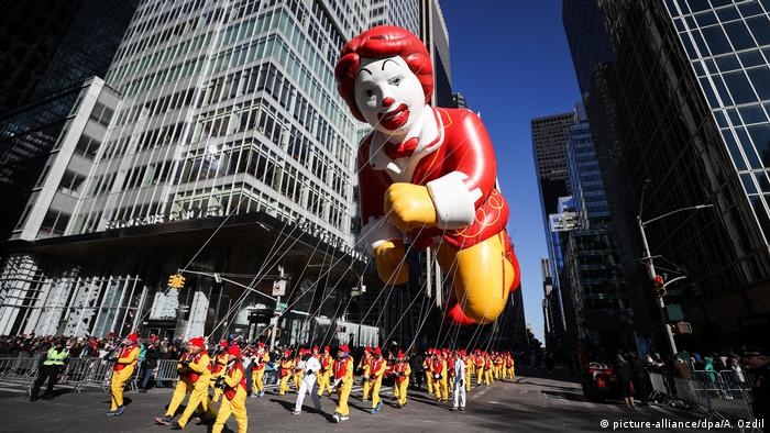 Ronald McDonald Thanksgiving Day Parade in New York (picture-alliance/dpa/A. Ozdil)