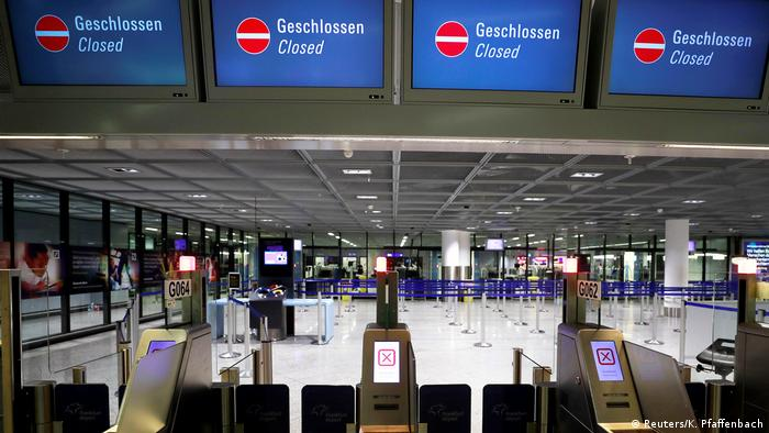 Closed security checkpoints at Frankfurt airports (Reuters/K. Pfaffenbach)