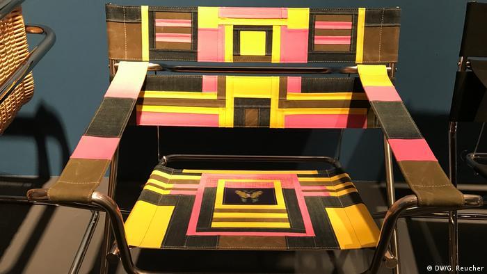 multicolored chair (DW/G. Reucher)