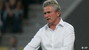Trainer Heynckes war unzufrieden mit seinen Leverkusenern (Foto: AP Photo/Hermann J. Knippertz)