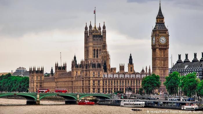 Großbritannien London - Westminster Palace mit Big Ben