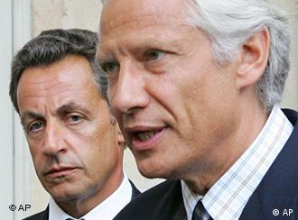 Villepin (r) and Sarkozy (l)